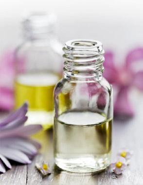création de parfums Mademoiselle Parfumette